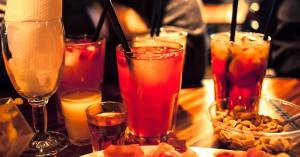 Kneipen und Bars wie Barcelona, ALEX, Bambi oder Akka für Silvester in Paderborn