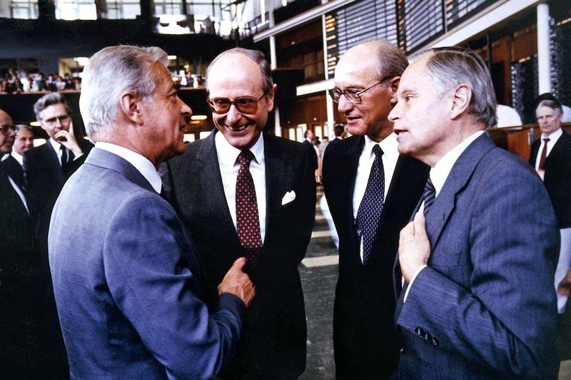 Einführung der Nixdorf-Aktien