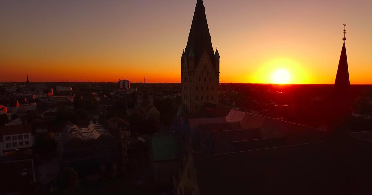 Dom Paderborn bei Sonnenuntergang