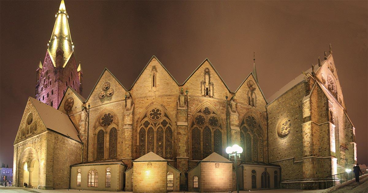 Dom Paderborn bei Nacht